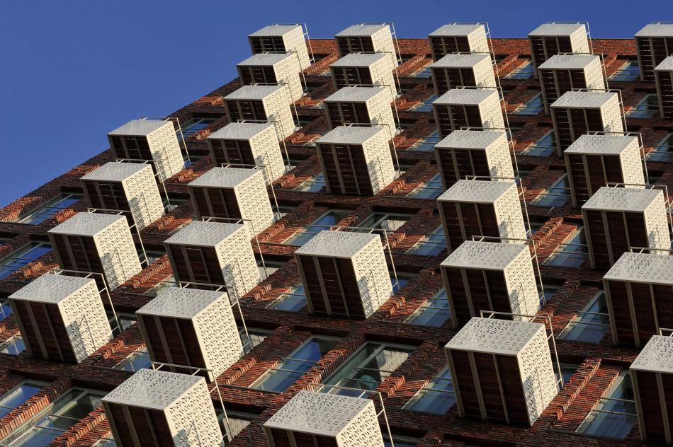 Balkonnen met geperforeerde platen