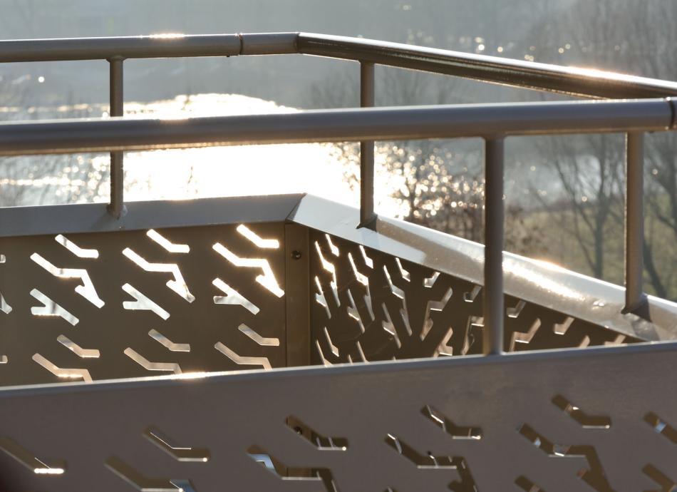 Geperforeerde platen op balkon